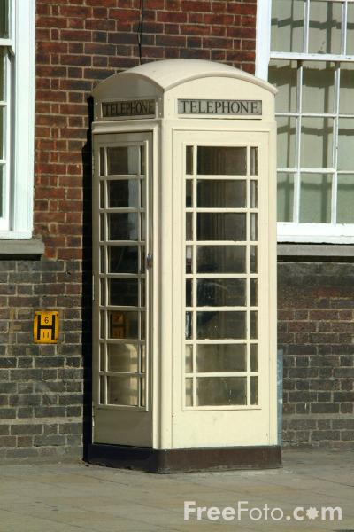 1051_56_61---Kingston-Communications-Phonebox--Kingston-upon-Hull_web