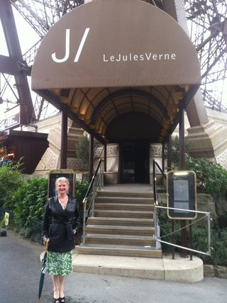Bren outside the Jules Verne