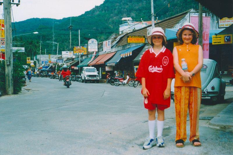 Rachel & Alys do Phuket