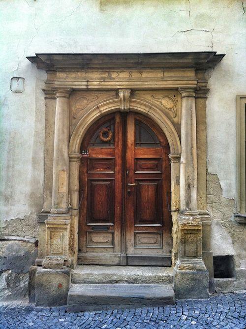 1584 Doorway